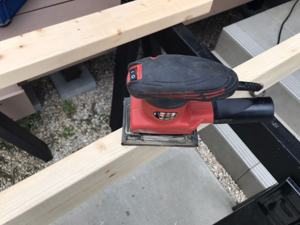 キッズハウス DIY サンダー