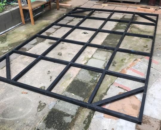 屋根枠完成